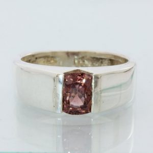 Pinkish Purple Red Spinel Sterling Silver Gents Unisex Flat Bottom Ring size 8.5