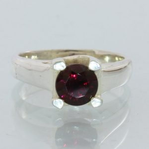 Red Garnet Natural Precision Cut Gemstone Handmade Silver Ladies Ring size 4.75