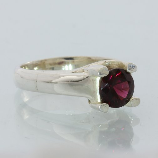 Red Garnet Natural Precision Cut Gemstone Handmade Silver Ladies Ring size 4.75