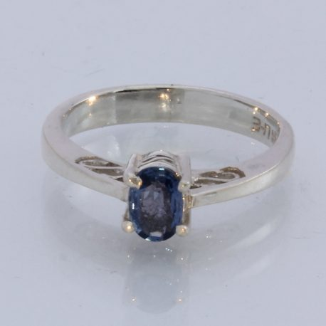 Natural Blue Sapphire Faceted Oval Handmade Sterling Silver Ladies Ring size 6.0