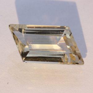Straw Yellow Oregon Sunstone Precision Faceted Parallelogram Gemstone 3.41 carat