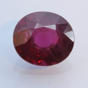 Red Purple Rhodolite Garnet Untreated Natural Gemstone Faceted Oval 8.97 carat