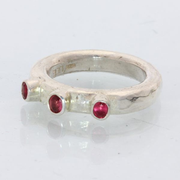 Red Sapphire Handmade Sterling Silver Three Stone Frog Eyes Hammered Ring size 6