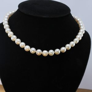 17 Inch Pearl Necklace Cream Freshwater 10mm Rounds Knotted Silk 925 Silver Hook