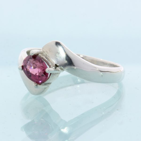 Pink Spinel Faceted Oval Handmade Sterling Silver Ladies Ring size 8.25