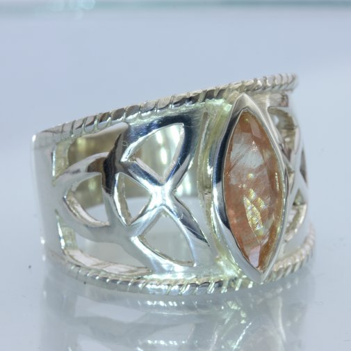Oregon Sunstone Handmade 925 Silver Celtic Knot Infinity Symbol Ring size 11.25