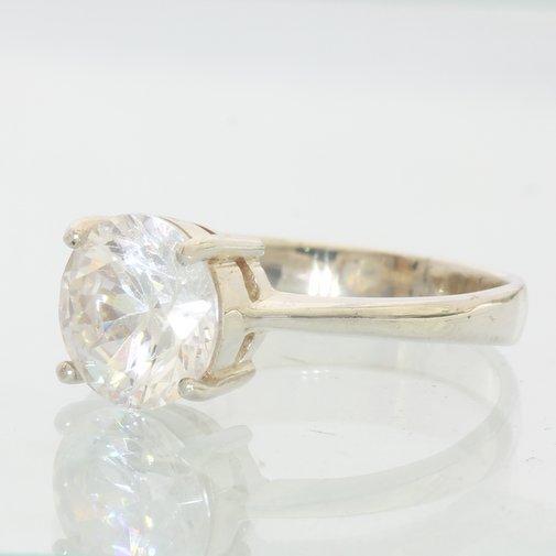 Cubic Zirconia Round Gemstone Ladies Handmade Sterling 925 Silver Ring size 7