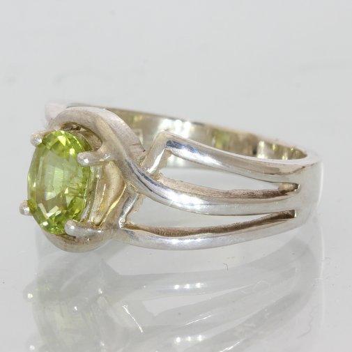 Peridot Gem Handmade Sterling Silver Unisex Ring, Birthstone of August size 5.5