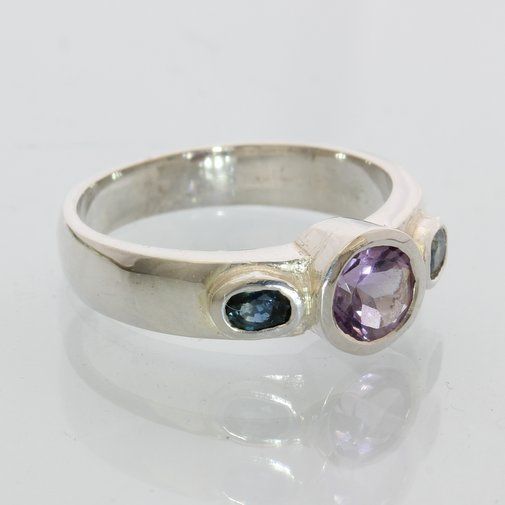 Purple Amethyst Blue Sapphire Hand Tooled 925 Silver Ladies 3 Stone Ring size 9