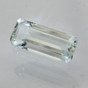 Aquamarine Beryl Gemstone Unheated 14 mm VVS Long Rectangle Gemstone 2.60 carat