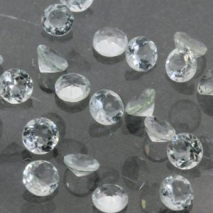 One Light Blue Green Aquamarine Goshenite 2.6 mm Faceted Round Average .07 carat