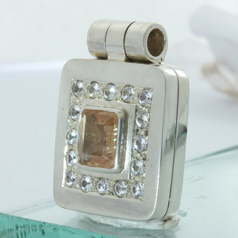Sunstone Oregon White Sapphires Hand Tooled 925 Silver Hinged Box Locket Pendant