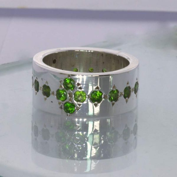 Ring Chrome Green Diopside Sterling Silver size 7.5 Wide Band Unisex Design 174