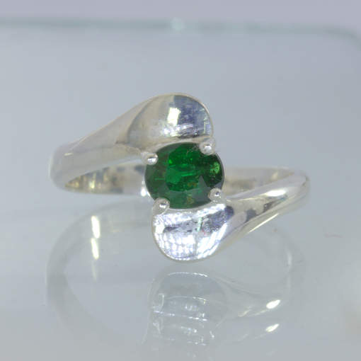 Ring Green Chrome Tourmaline Handmade Sterling Silver Solitary Ladies size 8