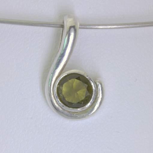 Pendant Burma Olive Green Peridot 6 mm Round Handmade Silver Unisex Design 270