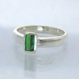 Ring Chrome Green Tourmaline Rectangle 925 Silver size 6.75 Stackable Design 530