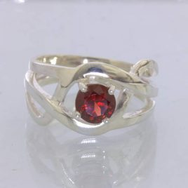 Ring Red Almandine Garnet Round 925 Unisex size 9.5 Filigree Ajoure Design 151