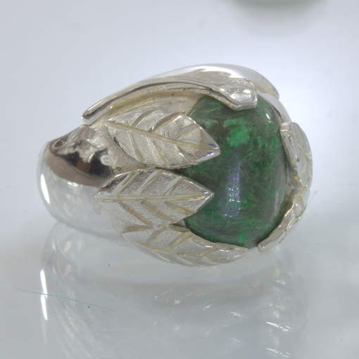 Green Burmese Maw Sit Sit Handmade Silver Leaves Unisex Ring size 10 Design 396