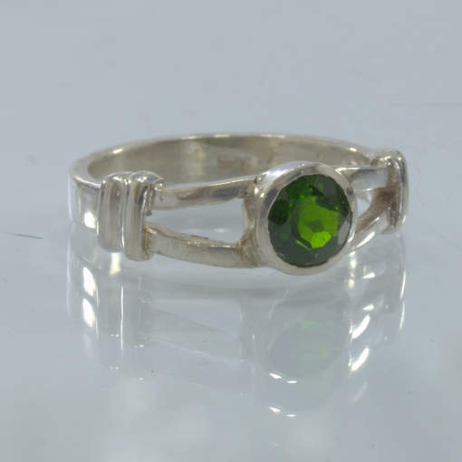 Green Chrome Diopside Gemstone Handmade Sterling Silver Ladies Ring size 7.25