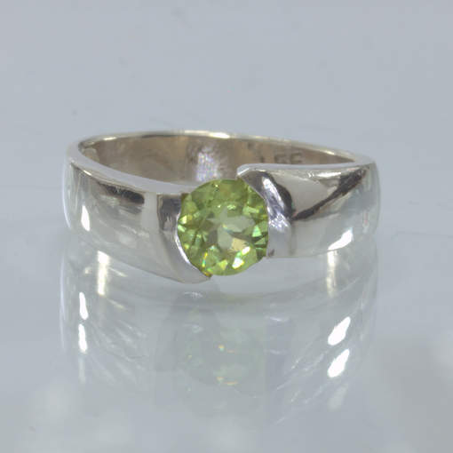 Green Pakistan Peridot Silver Ring Size 6.5 Unisex Offset Solitaire Design 198