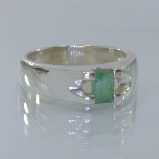 Green Emerald Beryl Gemstone Handmade Silver Solitaire Ring size 6 Design 318