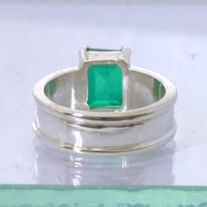 Emerald Simulant Doublet 925 Silver Ring Size 10 Hammered Solitaire Design 161
