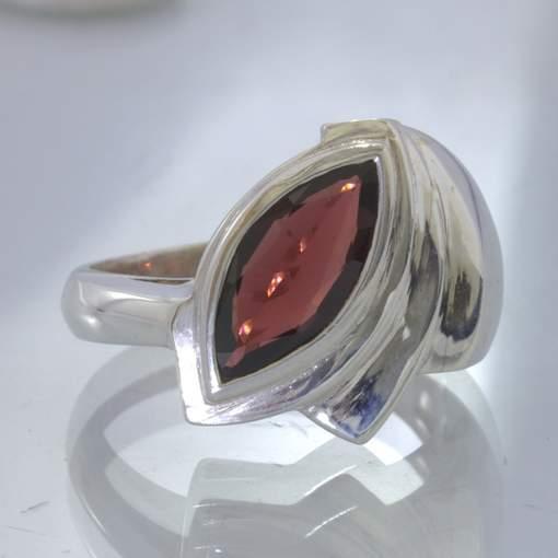 Rhodolite Red Purple Raspberry Garnet 925 Ring size 9 Unisex Cascade Design 38