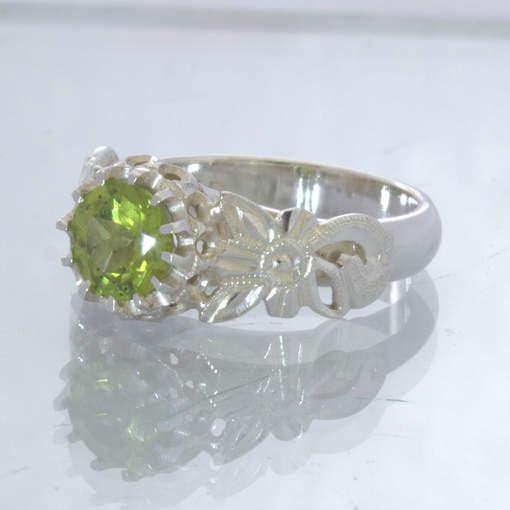 Peridot Round Green Gem 925 Silver Ladies Ring Size 6.25 Angel Flower Design 34