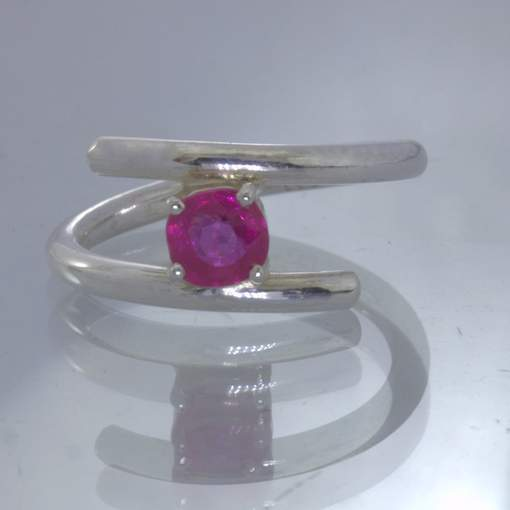 Pinkish Red Mozambique Ruby Round 925 Silver Ring size 5.5 Stacking Design 340
