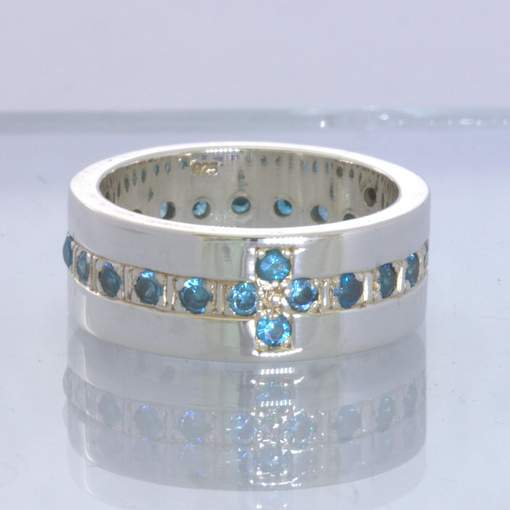 Swiss Blue Topaz Rounds Silver Ring Size 7.75 Unisex Straight Band Design 174
