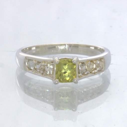 Mali Garnet White Sapphire 925 Silver Ladies Ring size 5.5 Square Gem Design 358