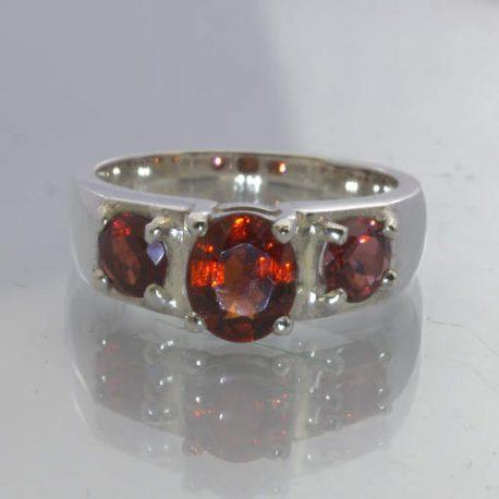 Red Madagascar Garnet 925 Silver Ring Size 7.25 Oval Round Three Stone Design 49