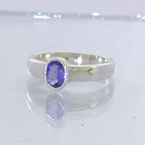 Blue Purple Tanzanite Oval Gem 925 Solitaire Ring size 5.75 Stacking Design 530