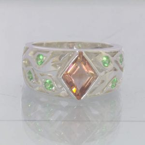 Oregon Sunstone Kite Green Tsavorite Garnet 925 Ring Size 7.5 Floral Design 89